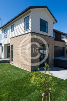f16_Redoubt_Show-Home-43